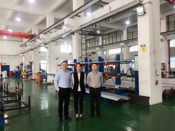 秘书处人员走访上海德垦流体设备科技有限公司